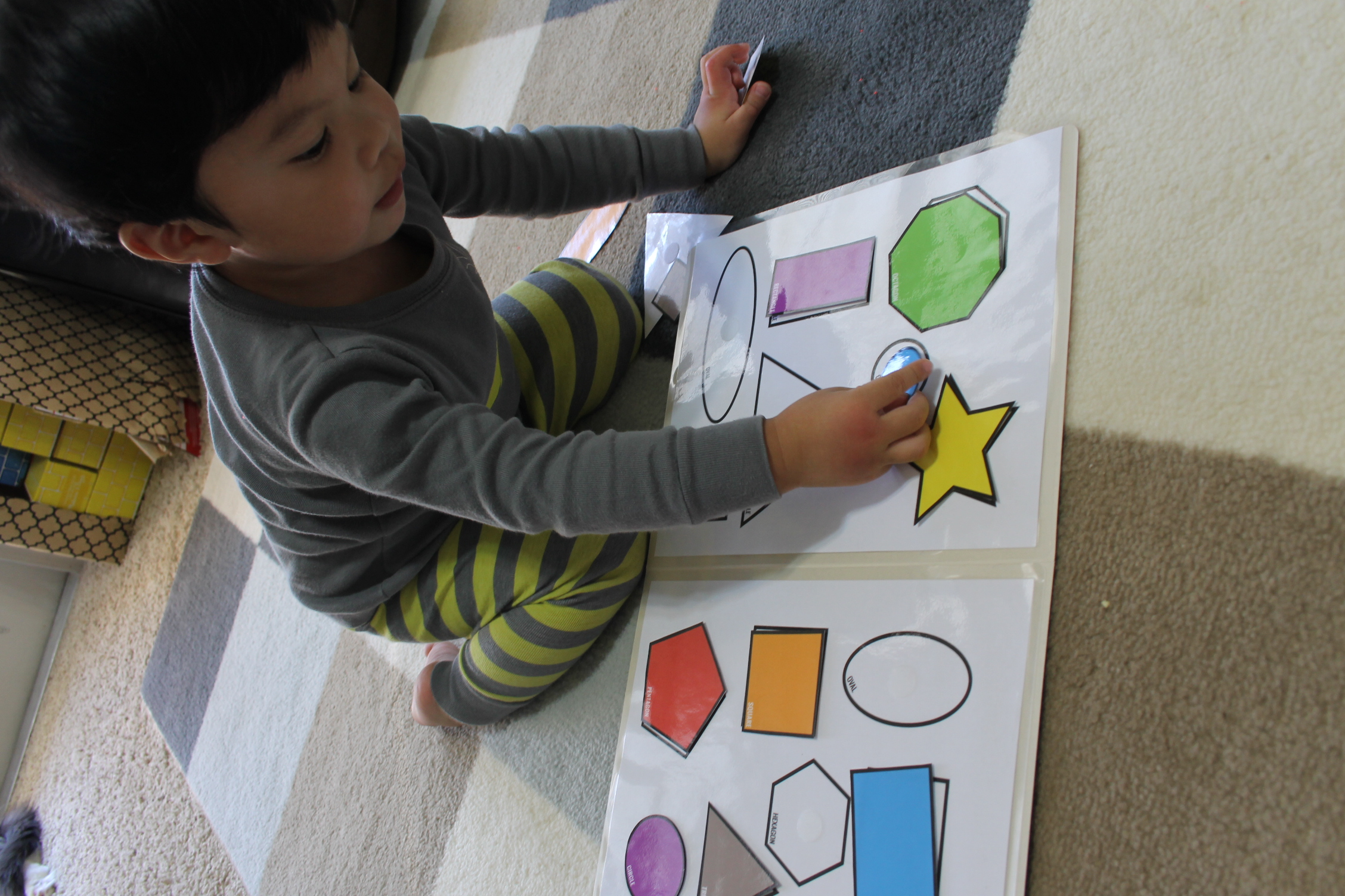 Printable color matching games for preschoolers - Shape Match Toddler Pre K File Folder Game