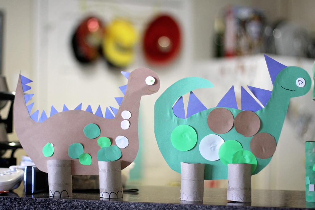 toddler-toilet-paper-roll-craft-dinosaurs